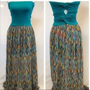 Maxi dress size medium Felicity & Coco